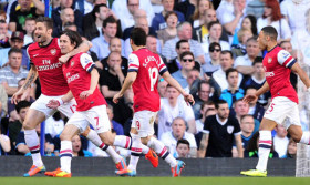 Radost z branky hráčů Arsenalu.