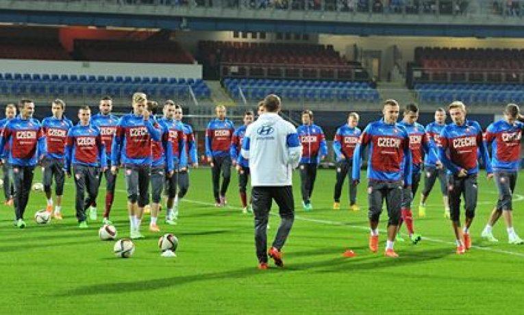 Přivezou si Češi tři body z Islandu?