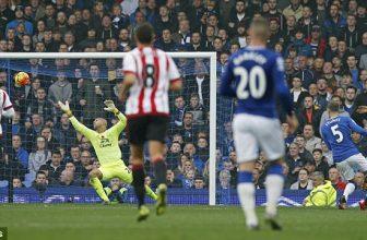 Everton v pondělní dohrávce na Sunderlandu
