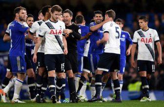 Kohouti a Blues v londýnském derby
