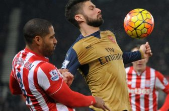 Arsenal jede bojovat do Stoke