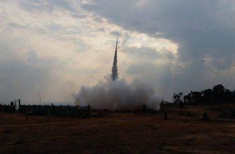Chtěli byste si vsadit na podomácku vyráběné rakety? Zaleťte si do Kambodži!