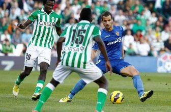 Třetí Valencie jede k dalšímu týmy na špici Realu Betis