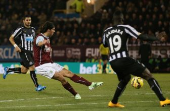 Pondělní Premier League mezi Burnely a Newcastlem
