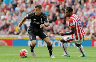 Bojující Stoke zkusí získat tři body proti Kloppovu Liverpoolu