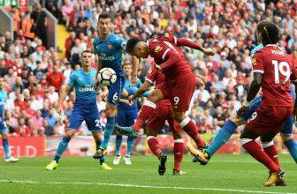 Páteční bitva o první čtyřku: Na Emirates Stadium jede Liverpool