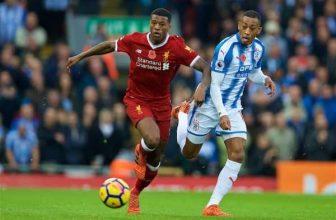 Nováček z Huddersfieldu se postaví ofenzivnímu Liverpoolu