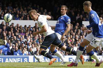 Tottenham ve Wembley přivítá Evertonem i s Rooneym