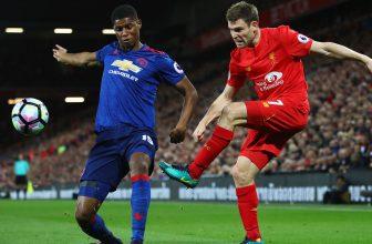 Legendární anglické derby mezi Red Devils a Reds a to na Old Trafford