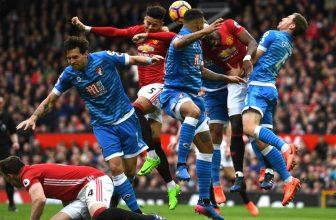 Ve středu jedou United hájit svoje druhé místo do Bournemouthu