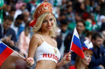 S ruskou pornoherečkou fandí i další krásná děvčata, mrkněte na ty nej fanynky MS ve fotbale!