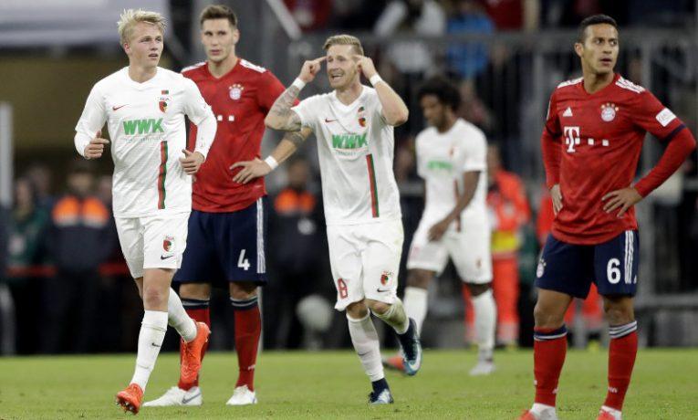 Domácí bojují o záchranu, hosté chtějí titul. 22. kolo BL otevře duel Augsburg vs Bayern