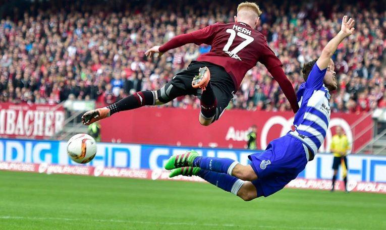 """Pro obě strany to """"smrdí"""" sestupem. 29. kolo Bundesligy otevře duel Norimberk vs Schalke"""