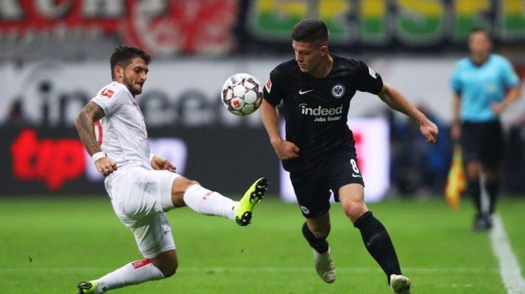 Duel Frankfurt vs Düsseldorf nabídne souboj ze středu tabulky Bundesligy. Jak tipovat?