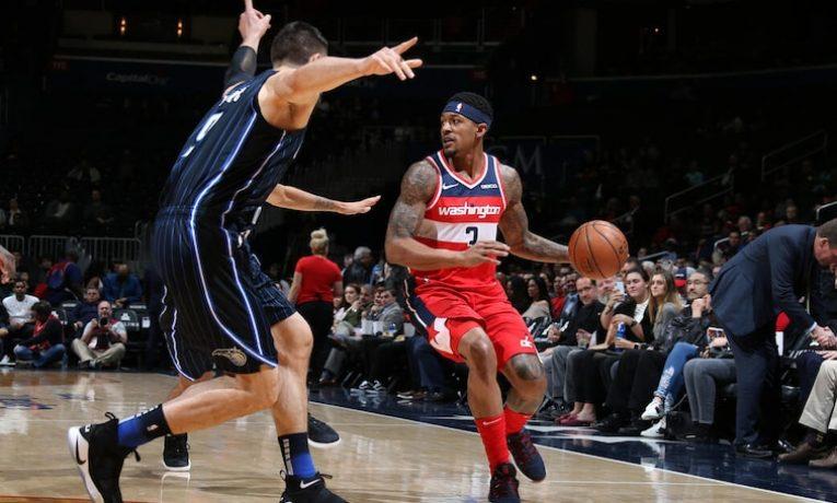 Wizards jsou na prahu přestavby. Tato sezóna je a bude o ničem. Právě proto se trenér Brooks snaží dát především šanci nováčkům, kterých je v týmu víc než dost, aby se ukázali a adaptovali.