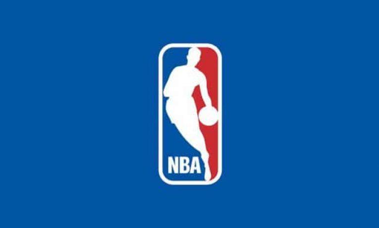 Informace pro sázení na NBA lze získávat z oficiálních zdrojů, ale i z twitterových účtů insiderů.