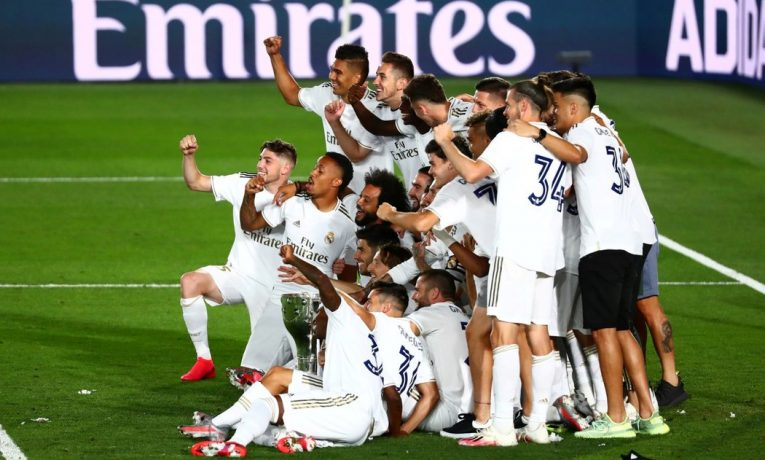 Ramos dal gól a Real Madrid oslavil titul.